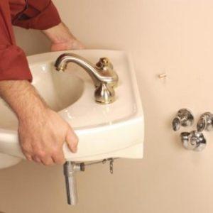 Демонтаж раковины в ванной и на кухне