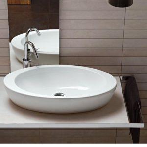 Установка накладной раковины на столешницу в ванную